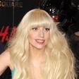 Lady Gaga bi poskusila seks v troje