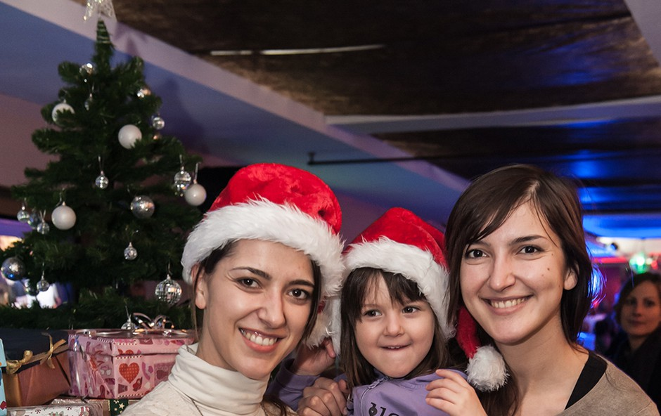 Alenka Husič s hčerko in sestro Vesno (foto: Vid Rotar)