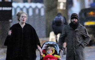 Prve družinske fotografije zvezdnice Adele