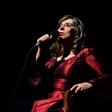 Svetlana Makarovič se vrača z grozljivo poezijo
