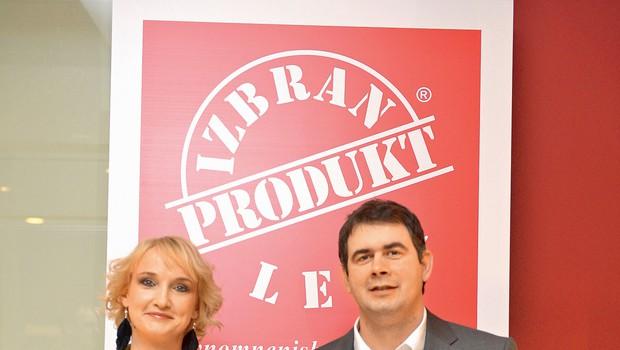 Za projektom Produkt leta stojita  vodja prodaje Romana Muha in  direktor Gregor Gorenc. (foto: Primož Predalič)