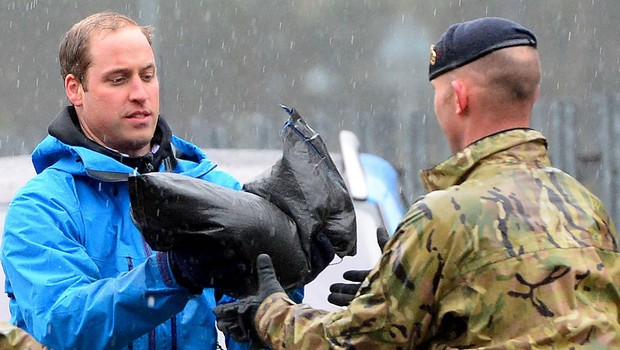 Princa pomagala postaviti protipoplavne vreče (foto: Profimedia)