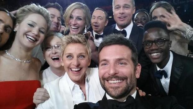 Vsi za enega ... (foto: Ellen DeGeneres @ Twitter)