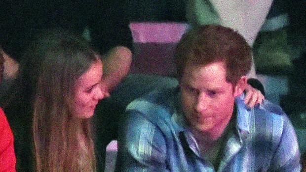 Nekdanje dekle princa Harryja pred oltar - prav tako s Harryjem! (foto: Profimedia)