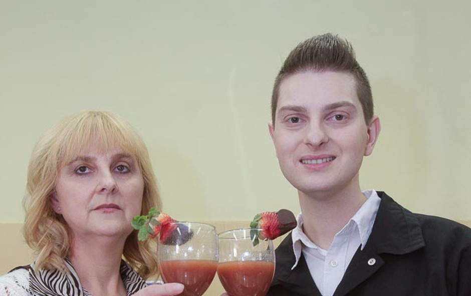 Damjan Murko dan preživel s svojo mamo (foto: Goran Antley)