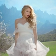 Shakira si je nadela poročno obleko