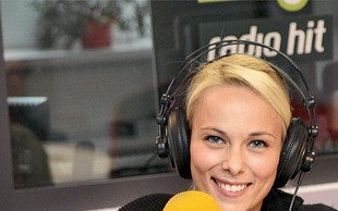 Pia Pustovrh radio zapustila zaradi preutrujenosti