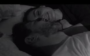 V novem spotu Polona Kasal med rjuhami z Luko Špikom