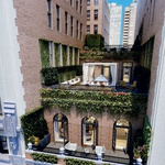 Stisnjeno med dva bloka ima stanovanje odlično lego in prekrasno teraso.  (foto: Profimedia)