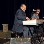 Glasbenik Uroš Perić v  svojem klavirskem  elementu.   (foto: Sašo Radej)