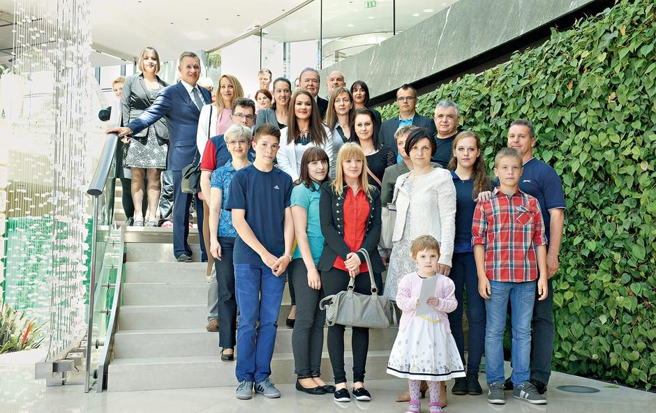 Rebeka Dremelj je skupaj z društvom Jonatan Prijatelj trem družinam omogočila tridnevno razvajanje v hotelu Kempinski Palace. (foto: Primož Predalič)