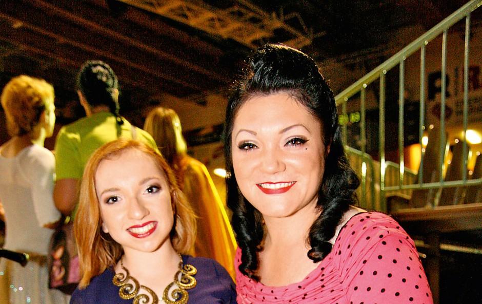 Med nastopajočimi sta bili tudi Ana Karneža in Maja Založnik. (foto: revija Lea)