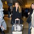 Jessico Alba paparaci ujeli na letališču v Turčiji