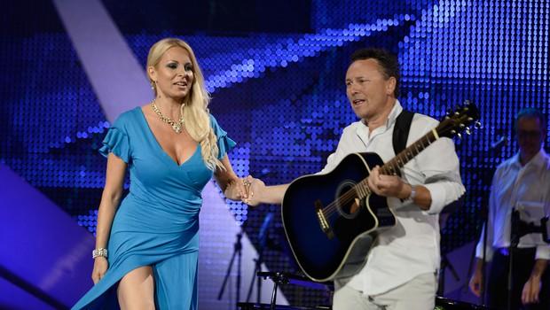 Prijetno presenečenje na odru sta bila Lucienne Lončina in Igor Lija. (foto: Primož Predalič)