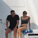 Sylvester Stallone v ženski družbi uživa na jugu Francije (foto: Profimedia)