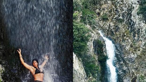 Nena si je privoščila  mokro osvežitev pod  slapom, tik ob cesti. (foto: revija Nova)