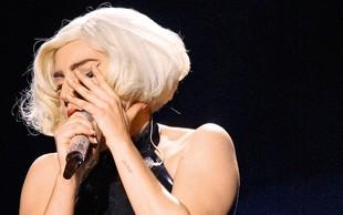 Lady Gaga plesala na točilnem pultu