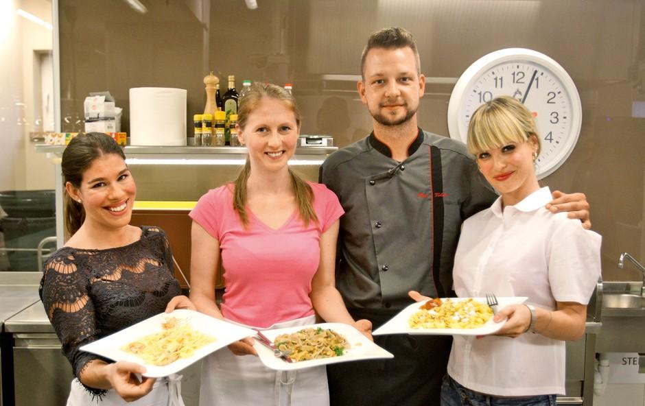 Dekleta so se prepričala, da med kuhanjem za Bineta brez treme ne gre. (foto: Goran Antley)
