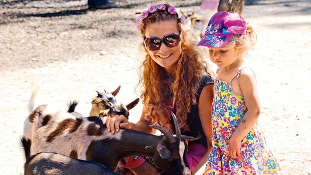 Tia in Anaya uživata, kadar obiščeta ljubljanski živalski vrt.   (foto: osebni arhiv)