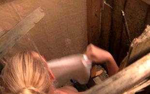 Kmetija: Nov začetek: Elizabet pokazala pokončni bradavički