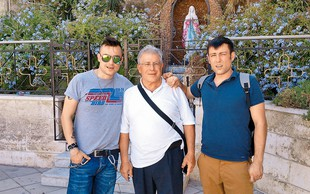 Omar Naber z družino v Jordaniji