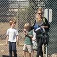 Julio Roberts z otroki paparaci ujeli v Los Angelesu