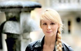 Igralka Iva Krajnc Bagola obrača glave v rumenih kopalkah: Res je čudovita!