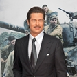 Brad Pitt je nor na orožje