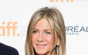 Jennifer Aniston se nasmiha oskar