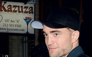 Novo dekle Roberta Pattinsona žrtev rasistov