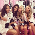 Angelčki pozirajo za instagram post  Sare Sampaio  (foto: profimedia)