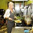 Mojca Javh (Gostilna): Restavracijo spremenila v 'fast food'