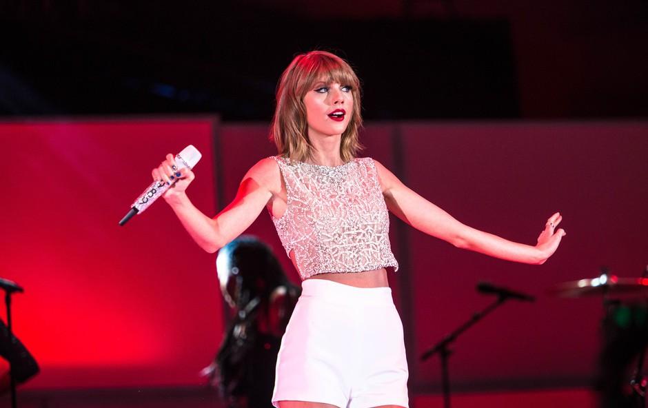 8 razlogov, zakaj bi z veseljem šli na zmenek s Taylor Swift (foto: profimedia)