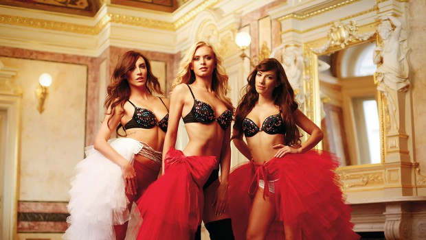 Vse tri,  Nadiya, Ula in  Andreja, vedo,  da so vroče,  zato še toliko  bolj izžarevajo  svoj seksapil. (foto: Aleš Bravničar)