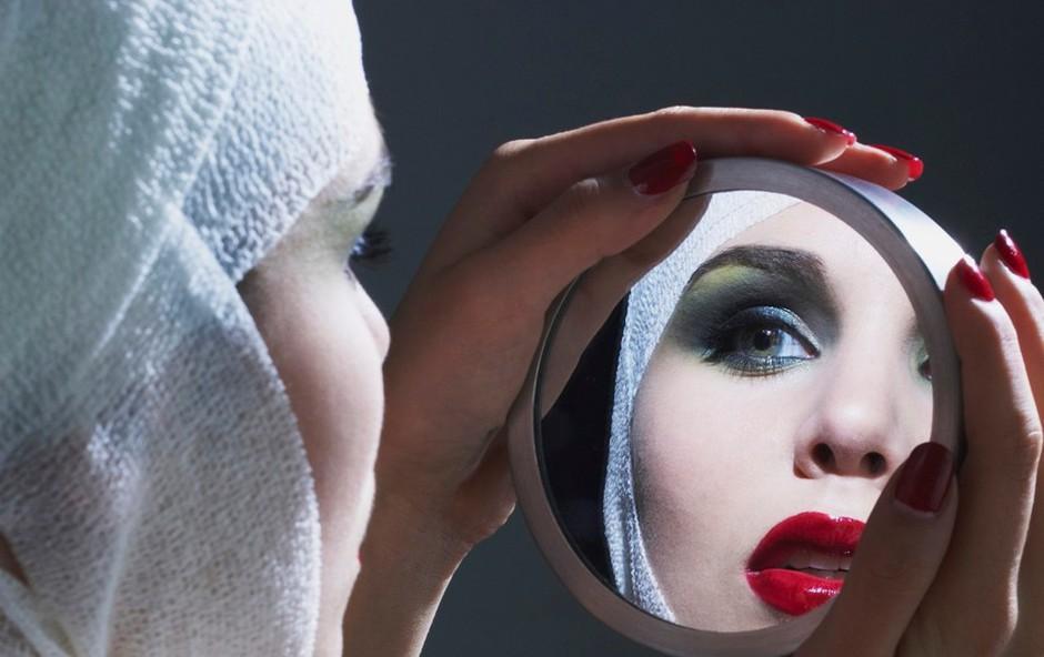 Stremenje k popolnosti, karkoli to že komu pomeni, gre dandanes pogosto predaleč. (foto: profimedia)