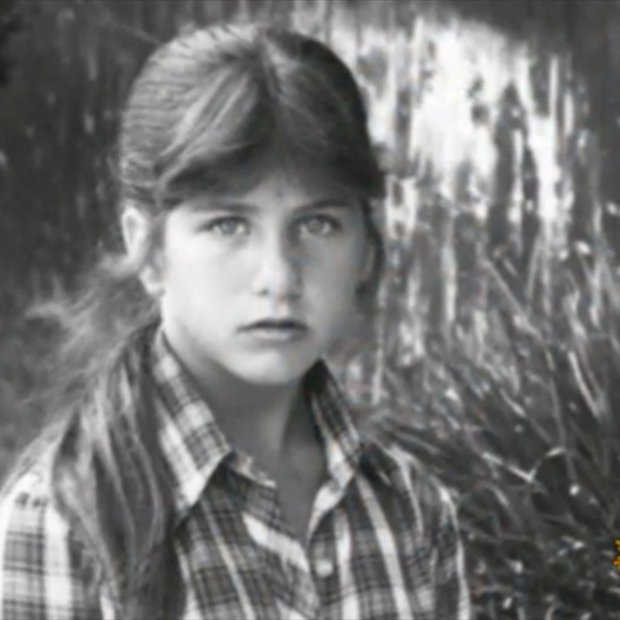 Uganete, kdo je ta deklica na sliki?