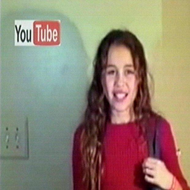 Ali uganete, kdo je ta deklica?