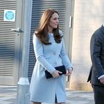 Kate Middleton ne more več skrivati trebuščka (foto: profimedia)