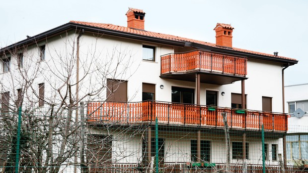 Valeriev dom, ki si  ga v Šempetru pri  Gorici deli s starši. (foto: N. Divja)