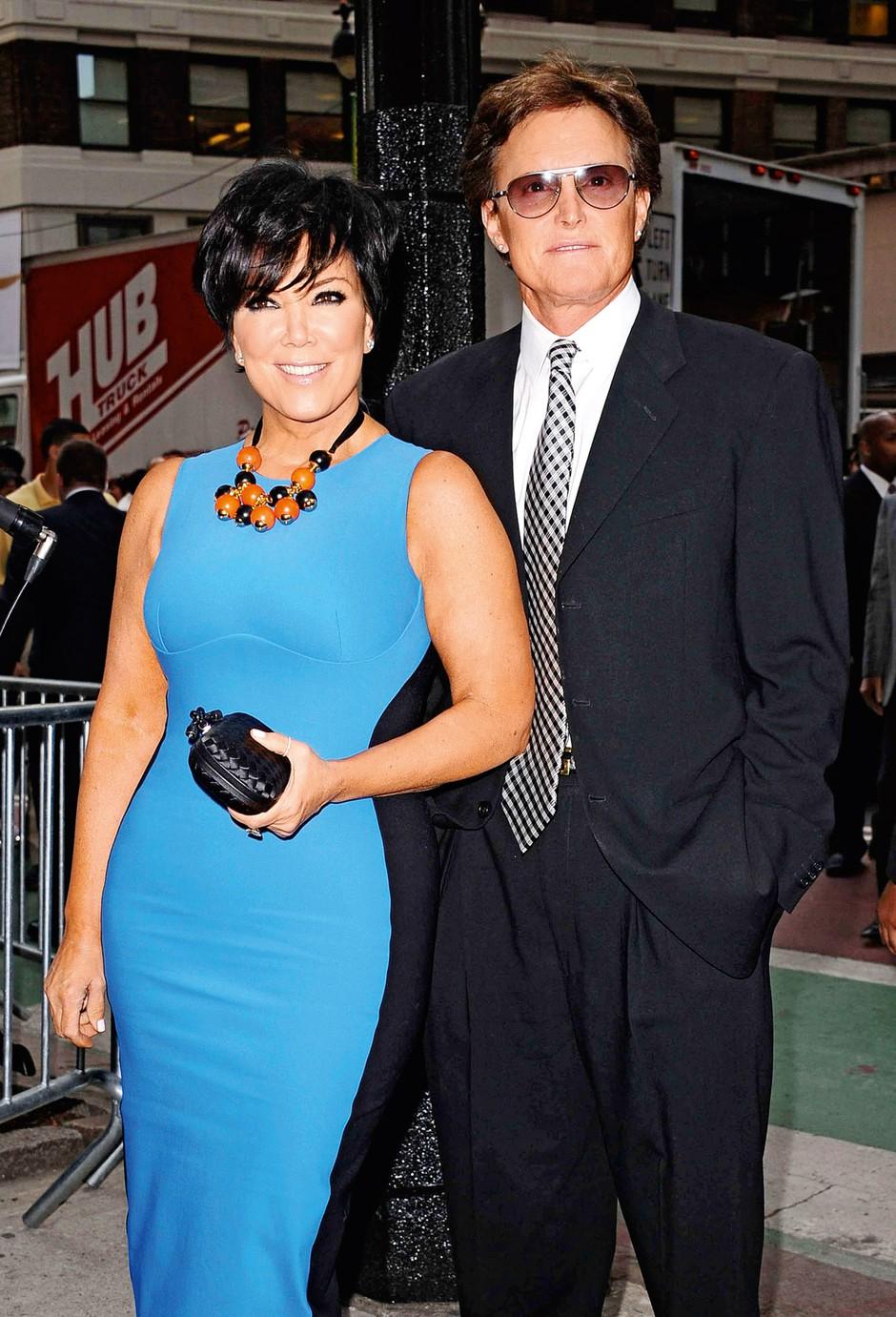 Kris je Brucea, s katerim se je poročila leta 1991, že kmalu po poroki zasačila v njeni obleki, zato ga je še dolga leta poniževala. (foto: Lea)