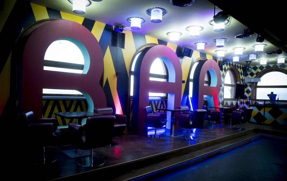 Miloš (Bar) - še včerajšnji favorit gledalcev danes osovražen zapustil Bar (foto: Planet TV)