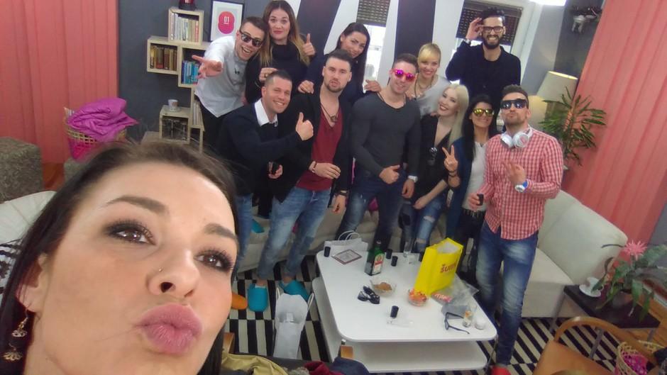 Skupinski selfie (foto: Planet TV)