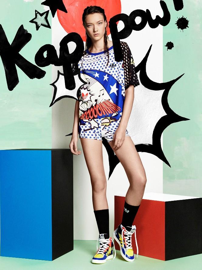 Celotna kolekcija temelji na Kapow grafičnih motivih. (foto: adidas)