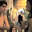 Pia Filipčič kot Elvis v oddaji Agencija Milano