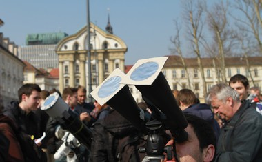 Petkov sončni mrk je na Kongresni trg privabil mnoge!