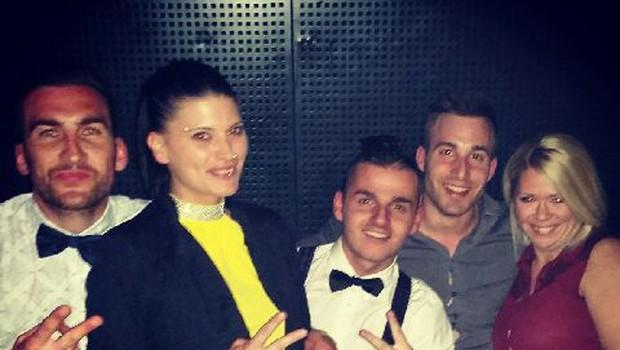 Danijel, Eva, Rene in Kim so se to soboto skupaj zabavali v enem od ljubljanskih lokalov (foto: Osebni arhiv)
