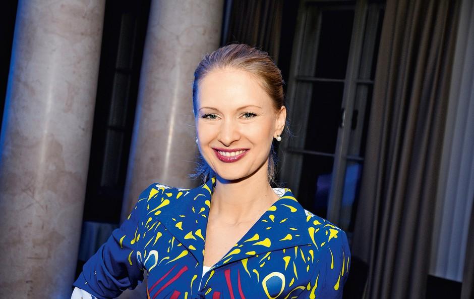 Maja Ferme s kolekcijo oblek s hollywoodskimi risanimi junaki (foto: Primož Predalič, Story press)
