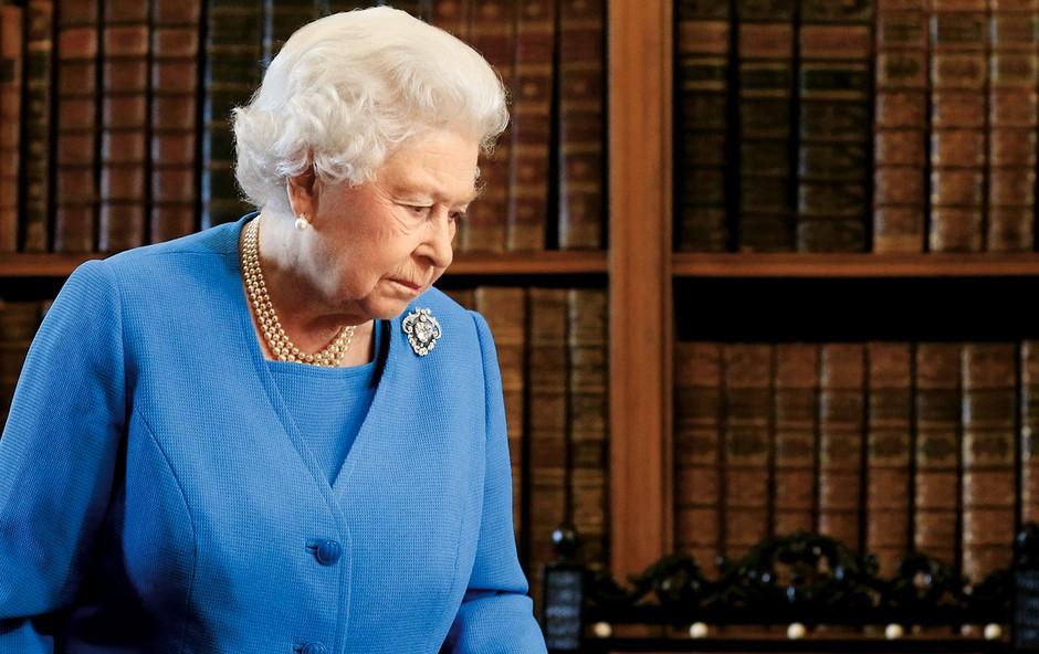 Britanska kraljica Elizabeta II. naj bi imela skrivni FB račun (foto: Lea)