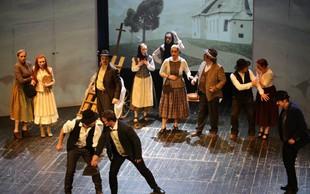 Muzikal Cvetje v jeseni premierno na Škofjeloškem gradu