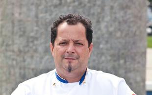 Trikratni svetovni prvak picopek Gianni Calaon v Restavraciji Angel